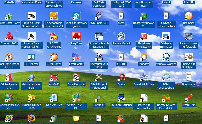 Un bureau Window surchargé d'icones de fichiers